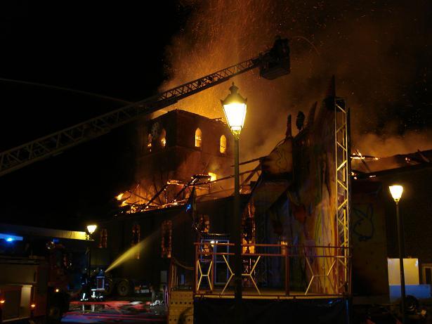 kerk in brand galmaarden 07
