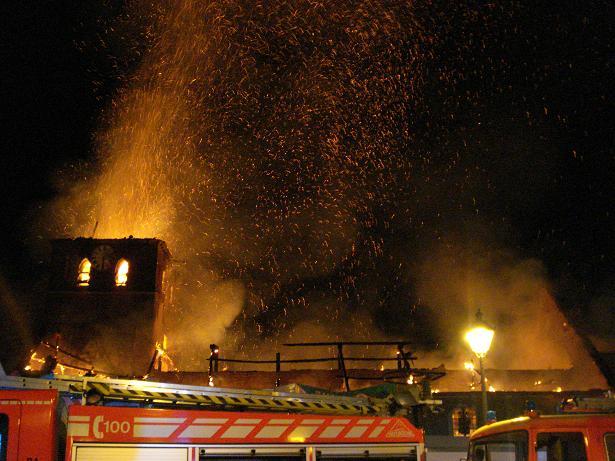 kerk in brand galmaarden 10
