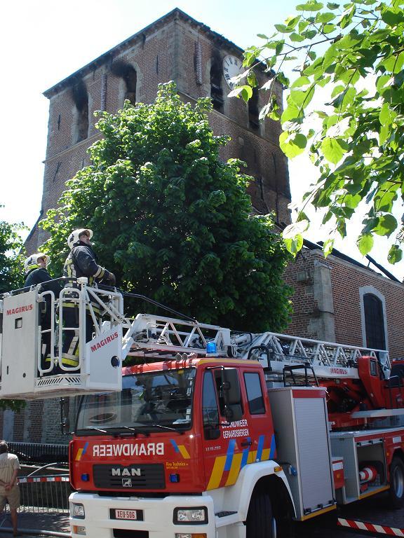 brand kerk galmaarden 03