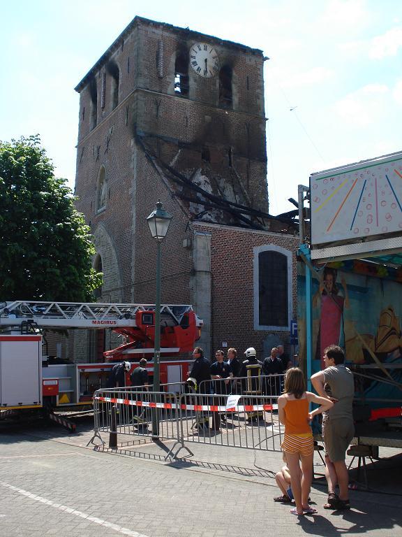 brand kerk galmaarden 04