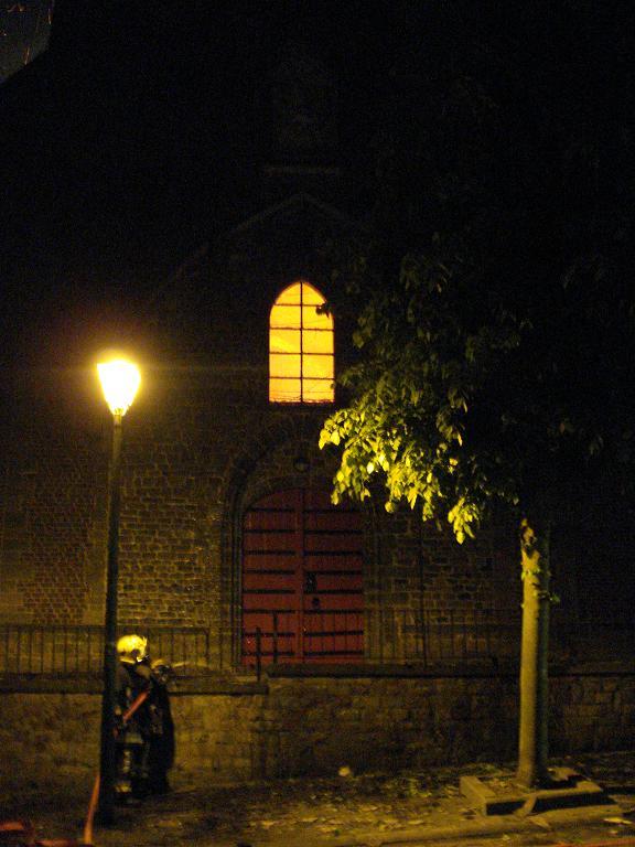 kerk in brand galmaarden 14