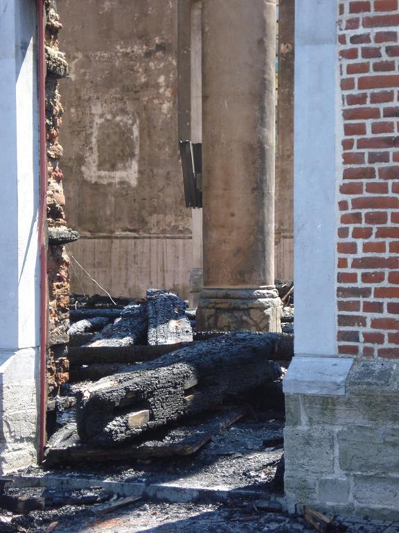 brand kerk galmaarden 09