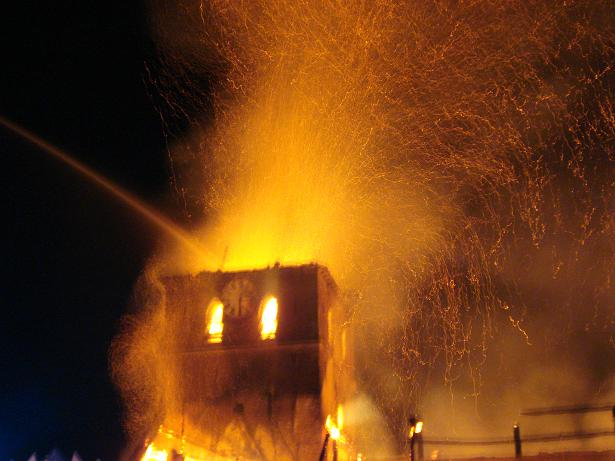 kerk in brand galmaarden 09
