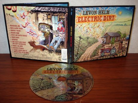 17 Levon Helm - Electric dirt
