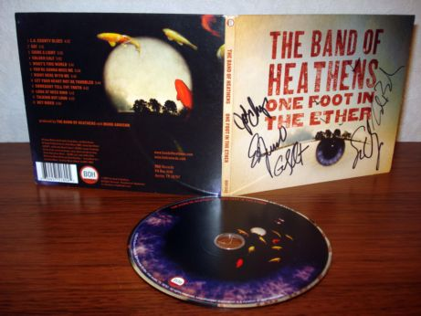 49 The Band Of Heathens - One foot in the ether